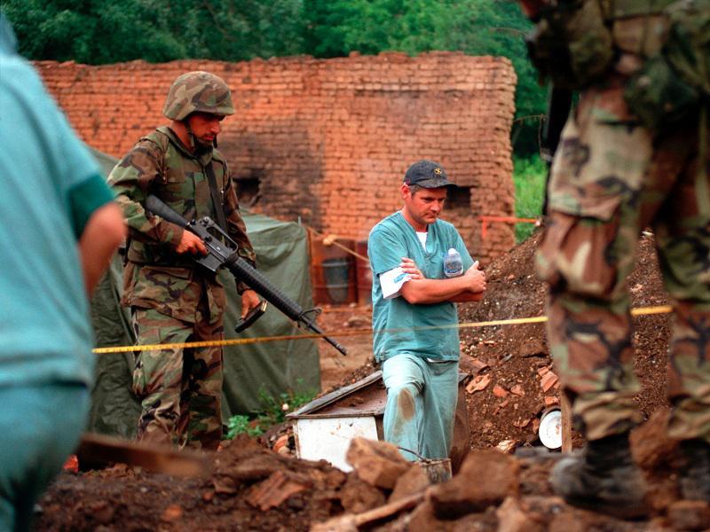 Kompromitirano sojenje: Veterani OVK prišli do seznamov prič, njihovih izjav in opisov hudih zločinov pripadnikov OVK