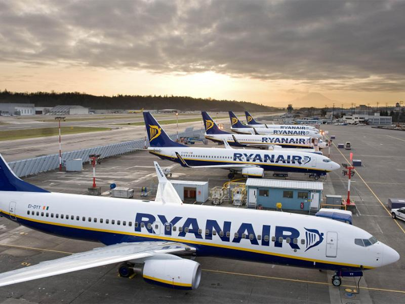 Polet z Ryanairom: pristanek 24 ur pozneje in dve državi proč