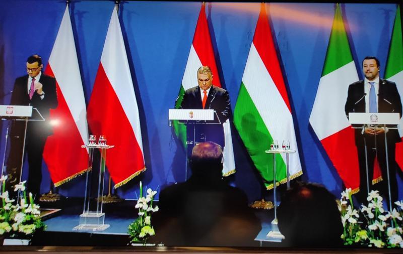 Viktor Orbán napovedal »ne cenzuri« na tiskovni konferenci, na kateri so bila vsa vprašanja - prepovedana!