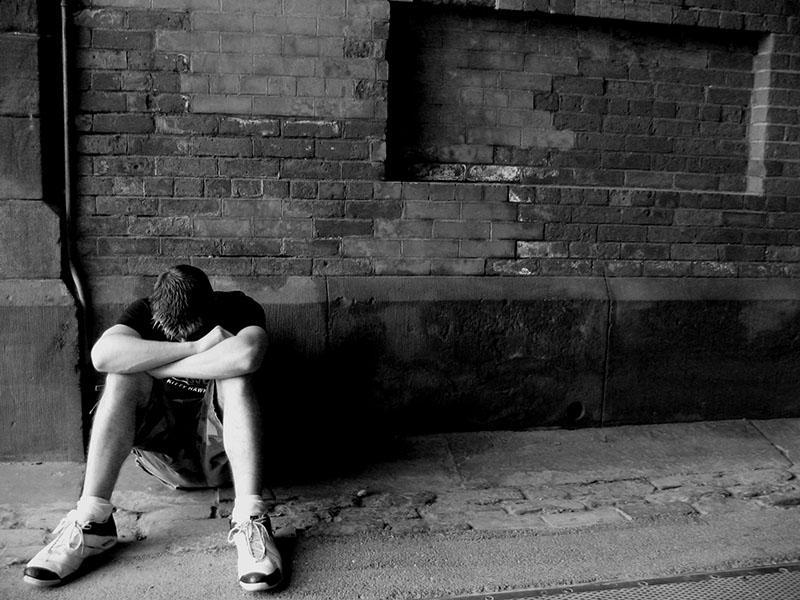 V mesecu dni več smrti zaradi samomorov kot v vsem letu zaradi Covida-19