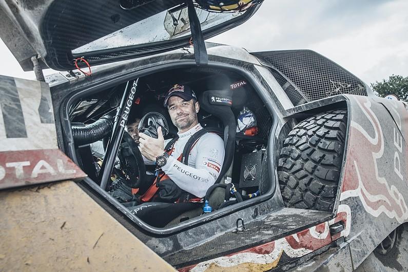 Dež preprečil šesto etapo Dakarja, v vodstvu Peterhansel in Sunderland