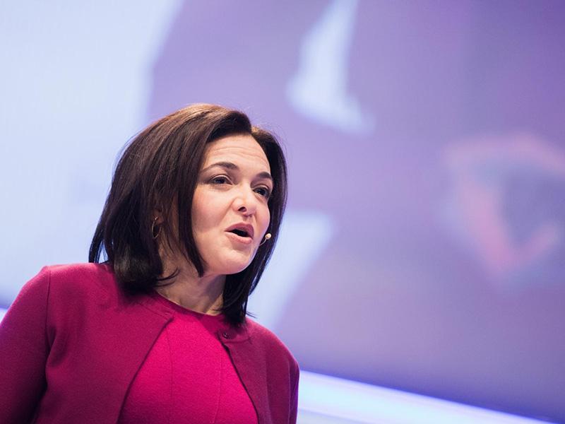 Predstavnica Facebooka priznala prepočasno ukrepanje ob ruskem vmešavanju