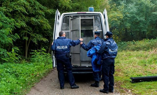 Hrvaški policist streljal ob meji s Slovenijo
