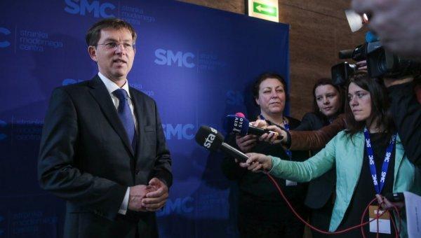 Največja koalicijska stranka SMC obdržala manj kot tretjino poslanskih mest