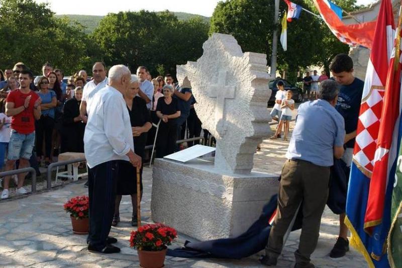 Balkanski sod smodnika spet tli? V Bosni odkrili spomenik ustaški NDH