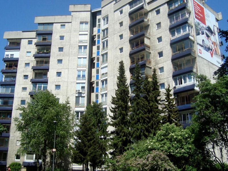 Koliko stanovanj imajo ministrstva v upravljanju?