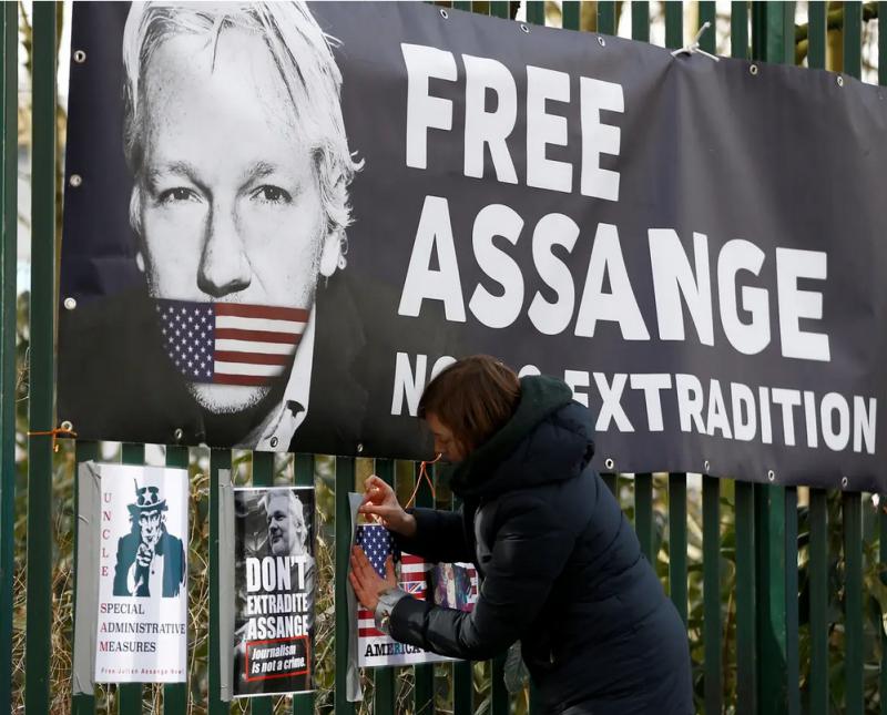 Hinavščina Zahoda, tudi Slovenije v primeru »Assange«