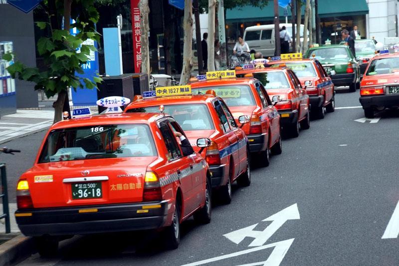 S taksijem prepotoval celo Japonsko, plačal pa ni