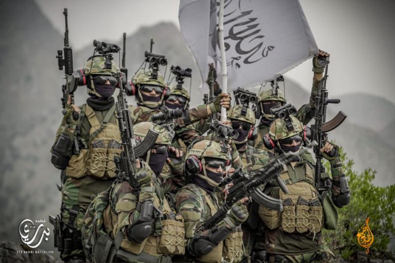 Bahanje z zaseženim orožjem in opremo zveze NATO, vredno milijarde. Talibani samo izzivajo, ali ga lahko tudi uporabijo?