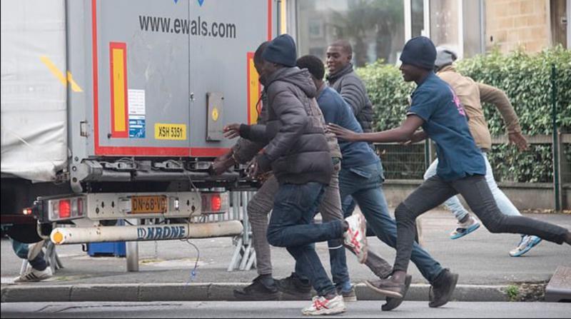 »To je sramotno lahko«: osem ljudi je dobilo nalogo, da ilegalno prestopi mejo. In?