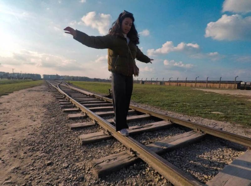 »Nehajte, to ni igra!«: zaradi opozorila iz Auschwitza mora biti vse, ki to počnejo, sram