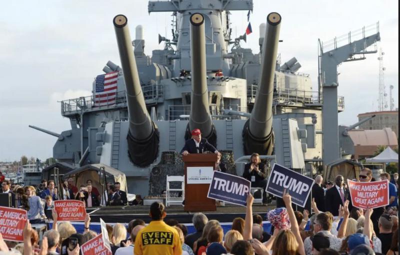 Trump se ob dnevu neodvisnosti šopiri s tanki in bombniki, kritiki ga obsojajo in zahtevajo, da sam plača za vso škodo