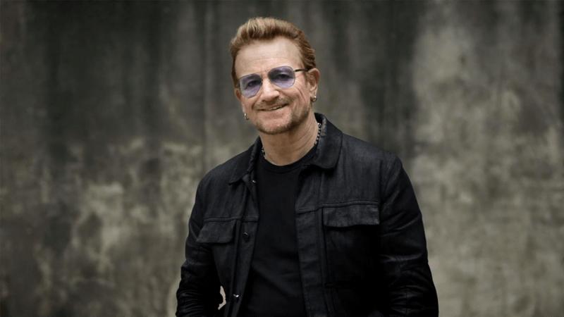 Bono med nastopom v Berlinu popolnoma izgubil glas