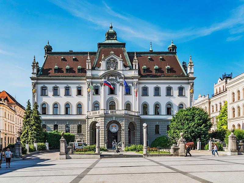 Ljubljanska Univerza vstopila v drugo stoletje: pred 101 leti podpisan ukaz o njeni ustanovitvi
