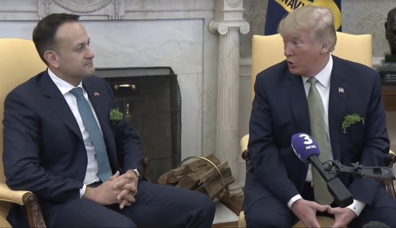 Nov spodrsljaj: Donald Trump zaželel Ircem uspeh pri postavljanju »zidu«, ki jih bo ločil od Severne Irske