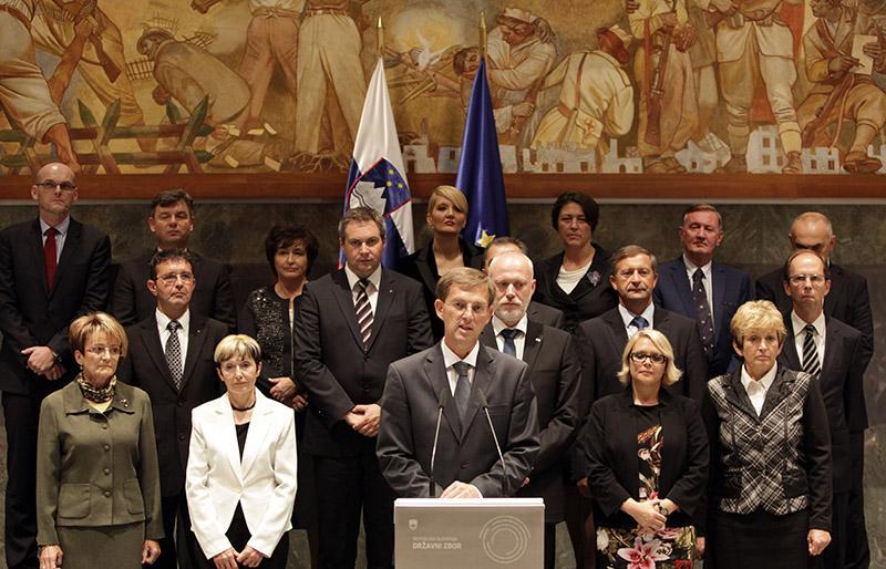 Odhajajoča Cerarjeva vlada bo potegnila črto pod mandat