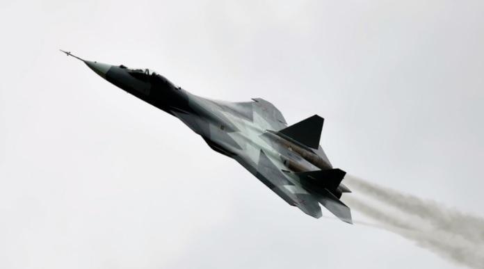 NATO ima težavo: Kateri lovec bi se lahko zoperstavil ruskemu Su-57?