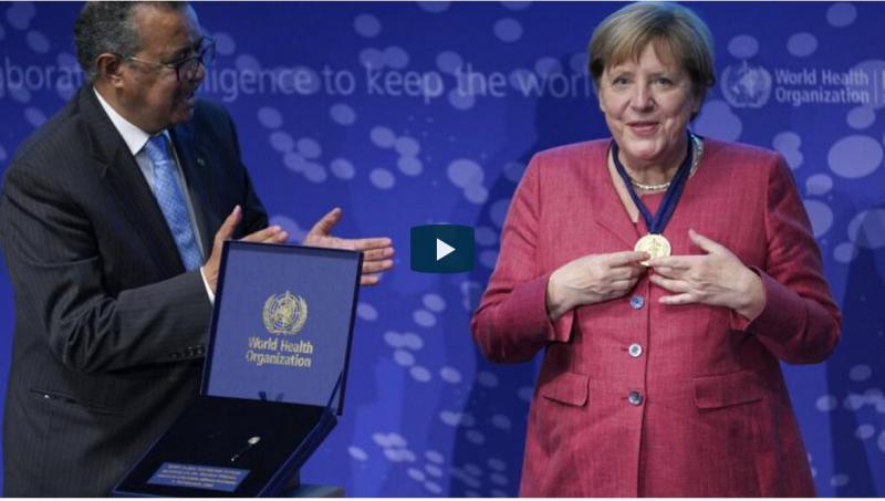 Zapoznelo prilizovanje: V vsaj eni članici EU nad Pahorjevim ordenom za Angelo Merkel niso navdušeni