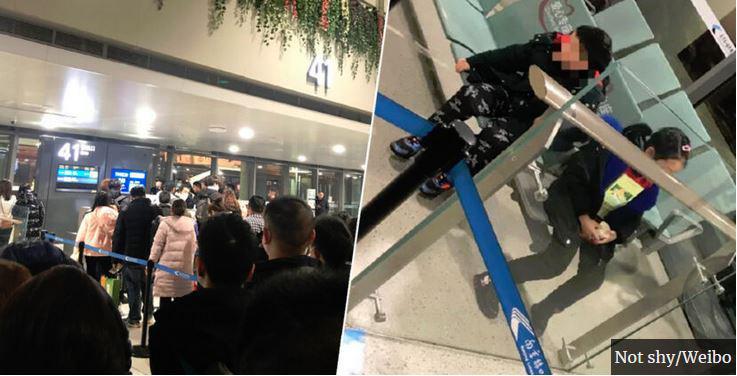 Starša zaradi koronavirusa pustila bolna otroka na letališču in odpotovala: malčkoma prepovedali, da se vkrcata na letalo