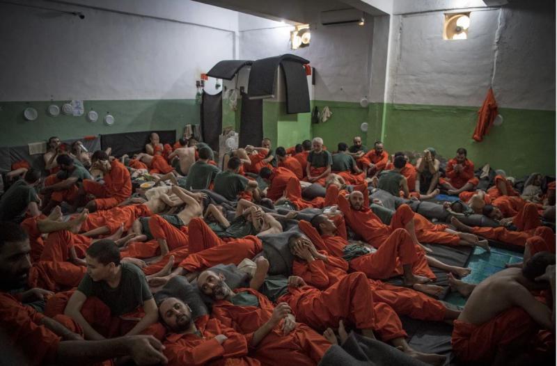 Dobrodošli v peklu: zapor, v katerem 5000 džihadistov, okuženih z nevarnimi boleznimi, spi drug čez drugega