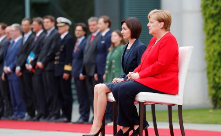Angele Merkel - sede z moldavsko predsednico vlade Vir:Sputnik
