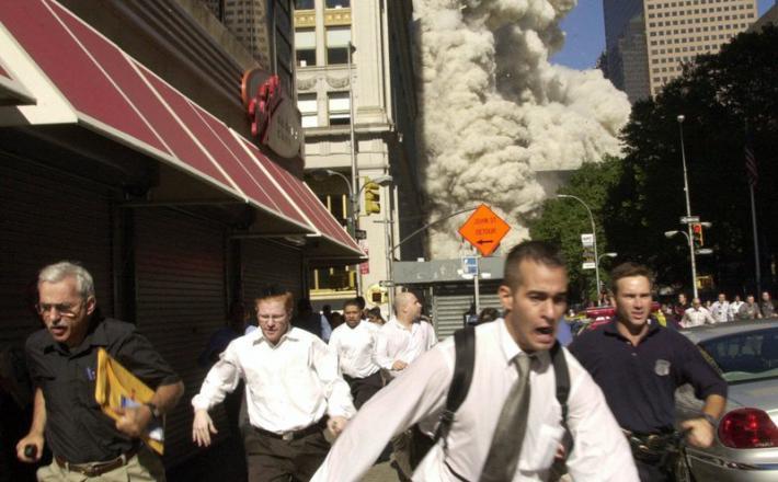 Fotografija napada enajstega septembra - Stephen Cooper je prvi z leve