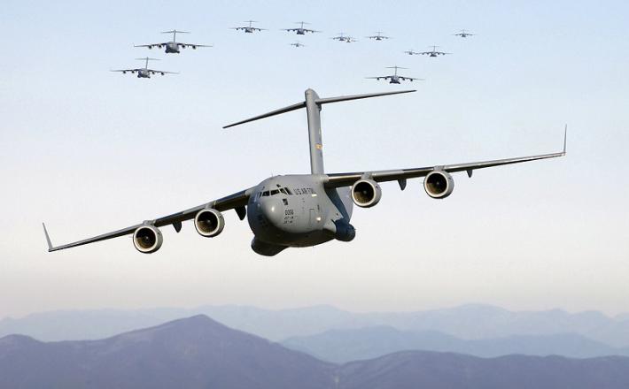 Letalo C-17  Vir: Wikipedia