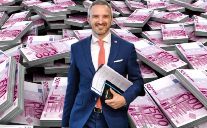 Cigler Kralj se iskreno veseli evrov svojega ministrstva Fotomontaža:Insajder.com