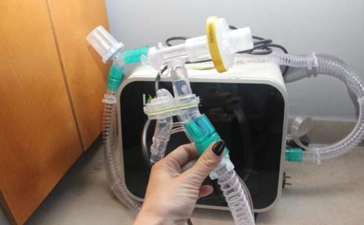CoughSync - naprava za čiščenje pljuč