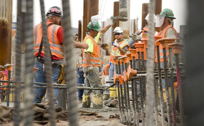 Delavci na gradbišču