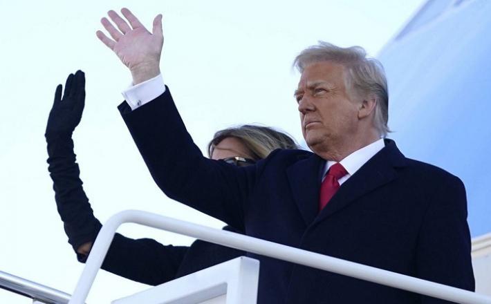 Donald Trump in Melania sta končno odšla na smetišče zgodovine. Vir: Sky News, posnetek zaslona