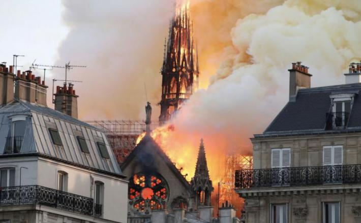 Notre Dame - ogenj  Vir:Twitter
