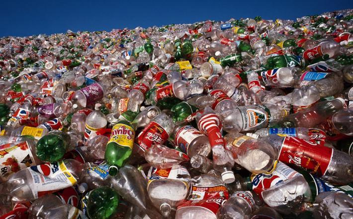 Odpadki embalaža plastika