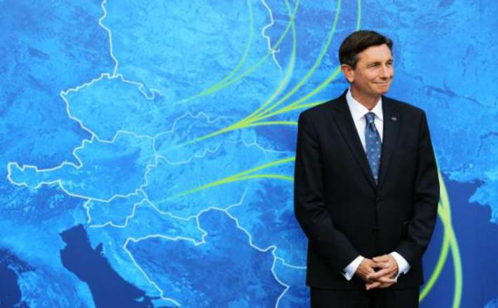 Pahor in »Tri morja« - kje pa je plin? Vir: Twitter