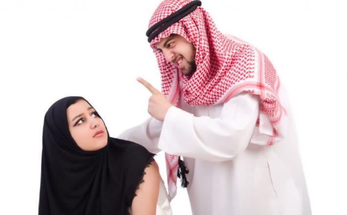 Muslimanski zakon    Vir:Iquisitr