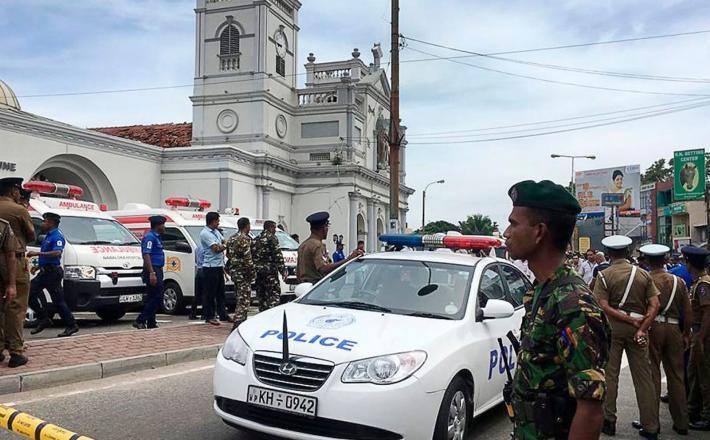 Šrilanka - vojaki na ulicah po napadih