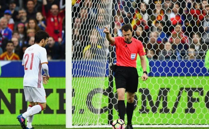 VAR video assistant referee / nogomet
