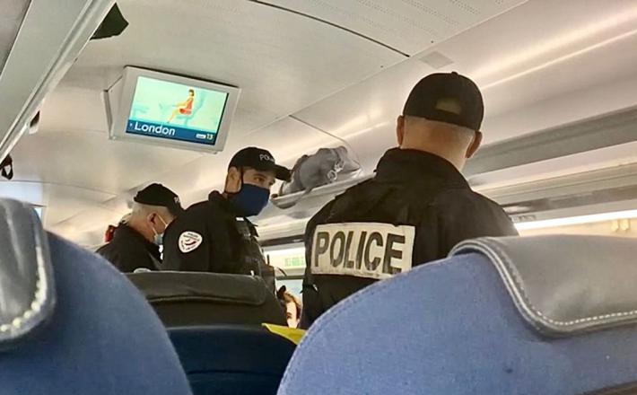 Policisti na vlaku Eurostar