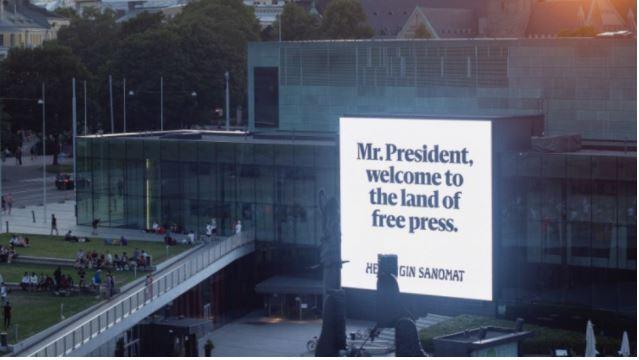 Helsinki - kritični reklamni panoji, Putin-Trump