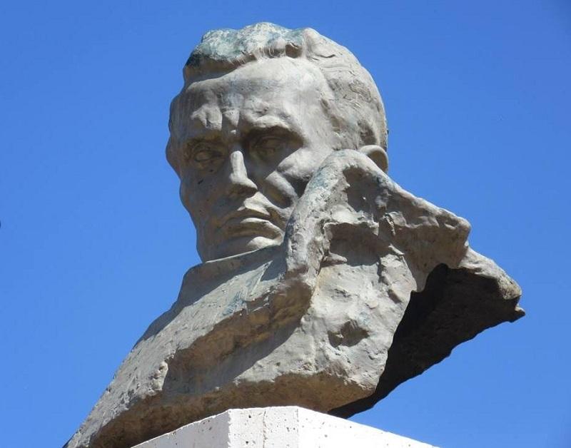 Titov spomenik v Alžiriji