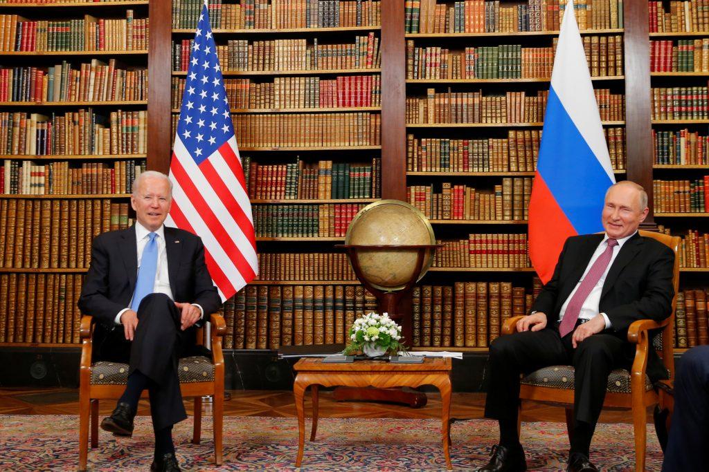 Vladimir Putin in Joe Biden