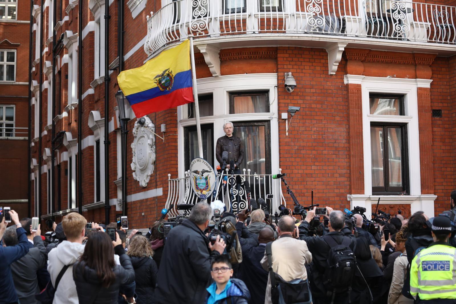Julian Assange, veleposlaništvo Ekvadorja Vir:Pixsell