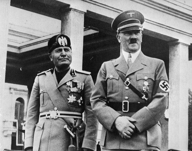 Benito Mussolini in Adolf Hitler