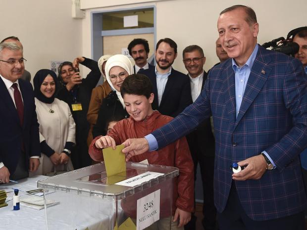 Erdogan glasuje
