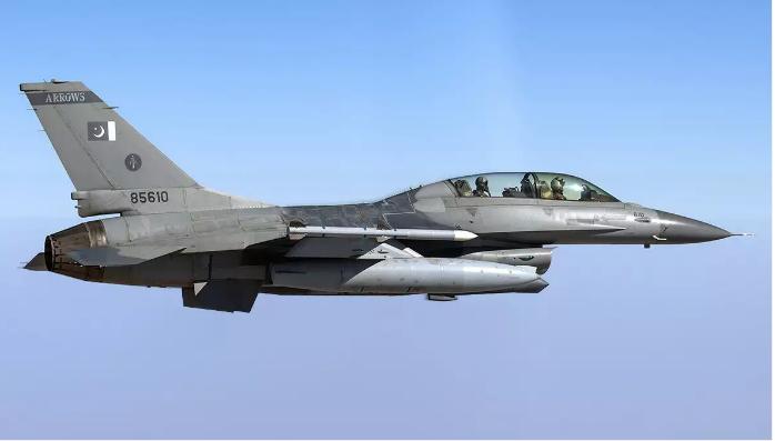 F-16D pakistanske vojske Vir:Wikimedia