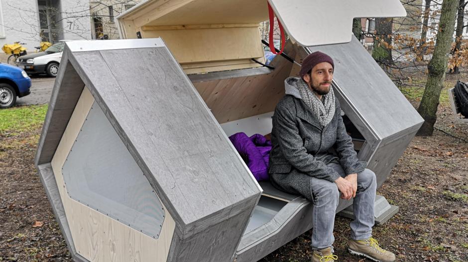 Gnezdo in brezdomec