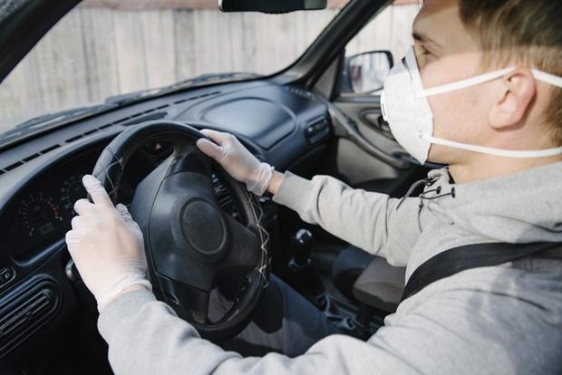 Maska obvezna v avtu
