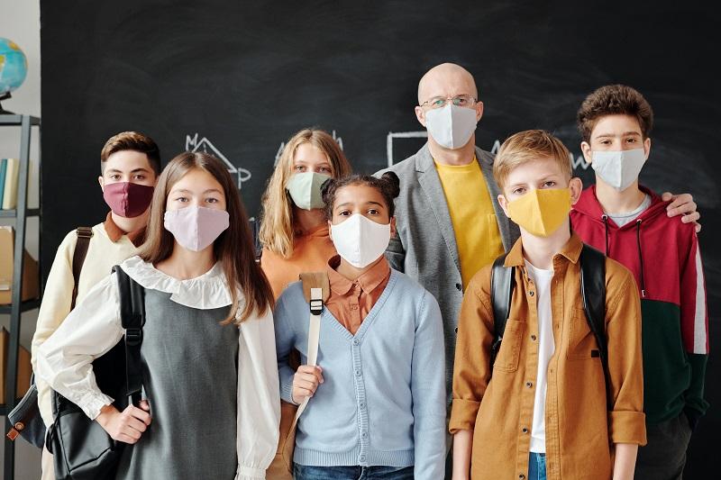 Maske v šolah niso več obvezne  Vir:Max Fischer, Pexels