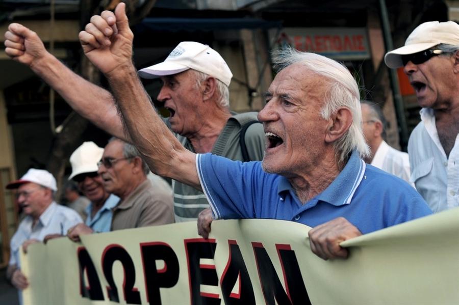Upokojenci v Grčiji, foto: NBC News