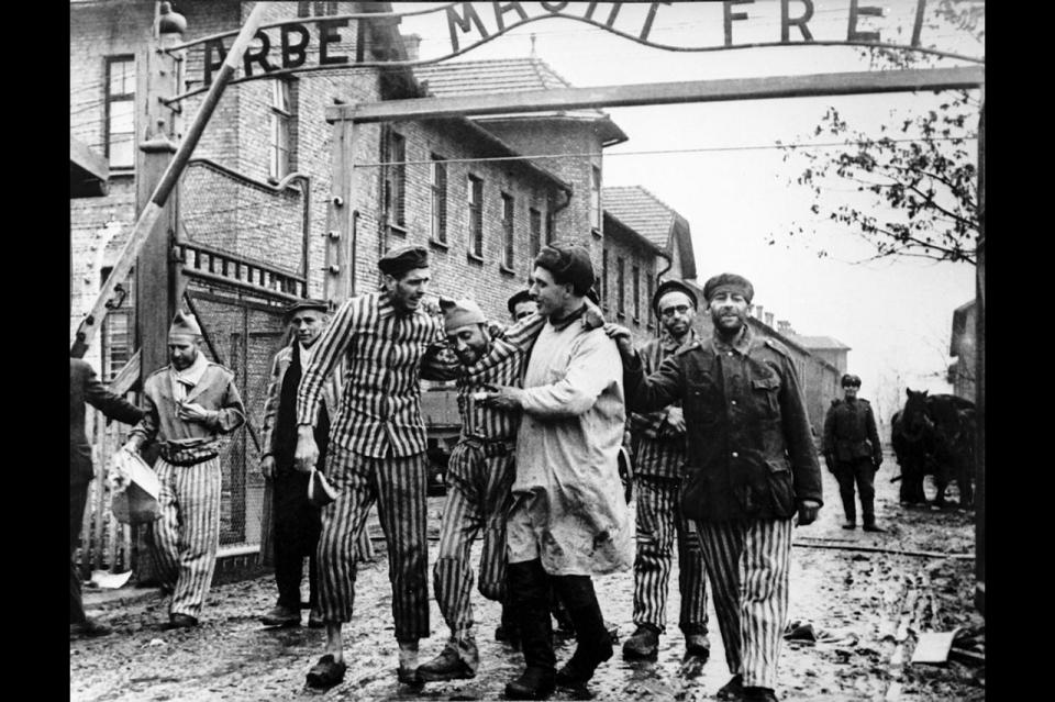Vhod v nekdanje nacistično koncentracijsko taborišče Auschwitz na Poljskem